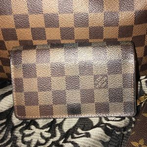 LV small compact wallet in Damier Ebene